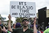 It's De Blasio Time sign