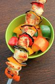 Grilled chicken kabob with pepper