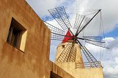 picture of marsala  - the windmill on the road from Trapani to Marsala - JPG