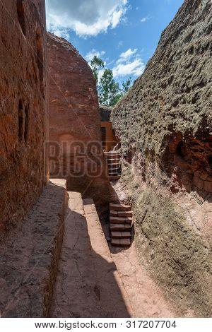 Debre Sinamikael An Underground Orthodox