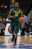 LOS ANGELES - MARCH 10: Oregon Ducks G Johnathan Loyd #10 in action during the NCAA Pac-10 Tournamen