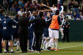 CARSON, CA. - 1 de junio: Vancouver Whitecaps FC F Camilo #37 celebra un gol durante el entre juego MLS