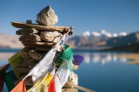 picture of indian flag  - Tso Moriri Lake with prayer flags  - JPG