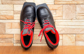 picture of ski boots  - Black boots with red finishing for skiing - JPG