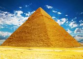 image of the great pyramids  - Panorama of Great Pyramid located at Giza  - JPG