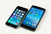 Apple Iphone 5S And Google Nexus 5