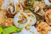 Squid and shrimp fried with chili paste