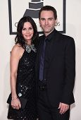 LOS ANGELES - FEB 08:  Courteney Cox & Johnny McDaid arrives to the Grammy Awards 2015  on February 8, 2015 in Los Angeles, CA