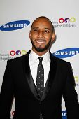 NEW YORK-JUNE 4: Swizz Beatz attends Samsung's annual Hope for Children gala at the American Museum