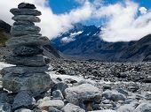 Rock Cairn in Hooker Valley in der Nähe von Aoraki Mt Cook NZ