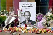 LONDON - OCTOBER 9: Shrine to Steve Jobs outside the Regent Street Apple Store on October 9, 2011 in
