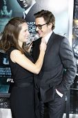 LOS ANGELES - FEB 16: Robert Downey Jr and wife Susan Downey at the premiere of 'Unknown' held at th