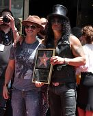 LOS ANGELES - 9 de JUL: Clifton Collins Jr., Slash en el paseo de Hollywood de la ceremonia de la fama de Slash en