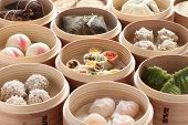 yumcha, dim sum en Vaporera de bambú, cocina China
