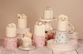 image of sugarpaste  - Capture of delicious mini cakes with icing - JPG