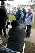 besetzen Sie Exeter Aktivist Dialog mit der Öffentlichkeit