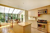 image of extend  - Bright kitchen room with kitchen island - JPG