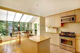 picture of screen-porch  - Bright kitchen room with kitchen island - JPG