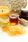 bath salt with honey - beauty treatment