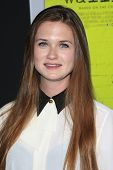 LOS ANGELES - SEP 10:  Bonnie Wright arrives at