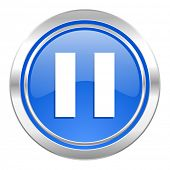 pause icon, blue button