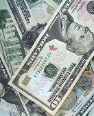 Dinero dinero dinero