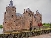Dark Sky Over Hermitage Amsterdam Schloss In den Niederlanden