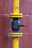 Gas tube flange