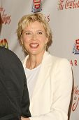Annette Bening   at the 2009 Noche De Ninos Gala. Beverly Hilton Hotel, Beverly Hills, CA. 05-09-09