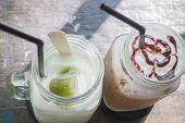 Ice Green Tea And Caffe Mocha