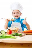 Pequeña cocina con ensalada y pulgar cartel