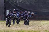 Paintball. Lancinating Sportsmen.