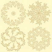 Set Of 4 Round Decorative Leaves Compositions.