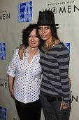 LOS ANGELES - MAR 3:  Sara Gilbert, Linda Perry at the
