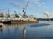 Large Cargo Port Cranes