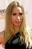LOS ANGELES - 10 SEP: Leona Lewis llega en el evento de