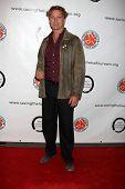 LOS ANGELES - 05.10.2009: John Schneider kommt zu