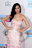 LOS ANGELES - NOV 21:  Katy Perry arrives at the 2010 American Music Awards at Nokia Theater on Nove