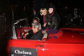 LOS ANGELES - NOV-28: Chelsea Staub, Anna Maria Perez de Tagle erreichen die 2010 Hollywood Christm