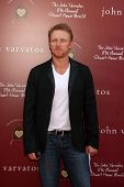LOS ANGELES - MAR 13:  Kevin McKidd arriving at the John Varvatos 8th Annual Stuart House Benefit at