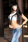 foto of woman body  - Shot of a sexy woman posing outdoor - JPG