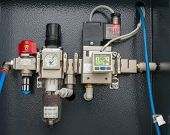picture of vacuum pump  - Vacuum Flow System with digital electronic counter - JPG