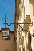 image of reign  - Light in faith that reigns in the old town of Arezzo - JPG