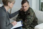 Постер, плакат: Psychiatrist Helping War Veteran