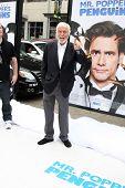 LOS ANGELES - JUN 12:  Dick Van Dyke arriving at the