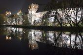 Mosteiro Park na noite