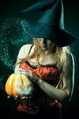 Bruxa com a lanterna mágica