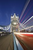 Tower Bridge en la noche