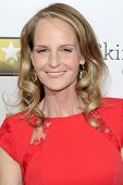 LOS ANGELES - 9 de JAN: Helen Hunt llega a Choice Movie Awards los 18 críticos anual en Barker H