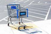 Sacramento, Usa - September 13: Walmart Shopping Cart On September 13, 2013 In Sacramento, Californi